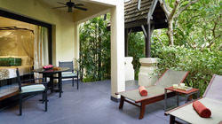 Hi_ABS_75587759_ABS__Garden_View_Suite__Terrace_01_G_A_H.jpg